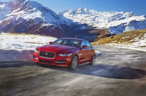 2017-jaguar-xe-front-driver-side-motion