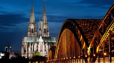 Cologne-Cathedral-Photo-At-Night