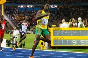 150819063324-usain-bolt-100m-world-record-super-169